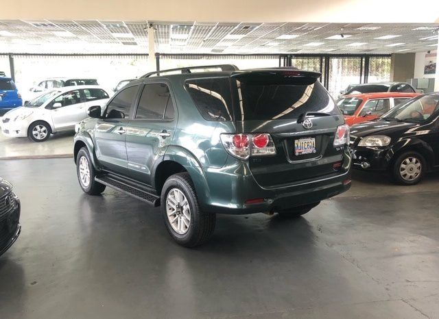 TOYOTA FORTUNER completo
